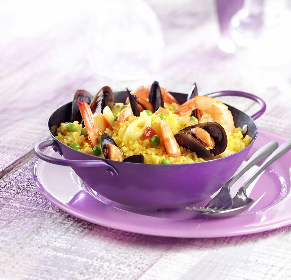 Paella en ambiance violette